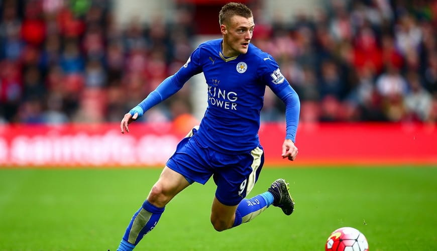 jamie vardy of leicester in action during the barclays premier league match between southampton and leicester city at st marys stadium on october 17 2015 in southampton england - Варди хочет защитить своих кур