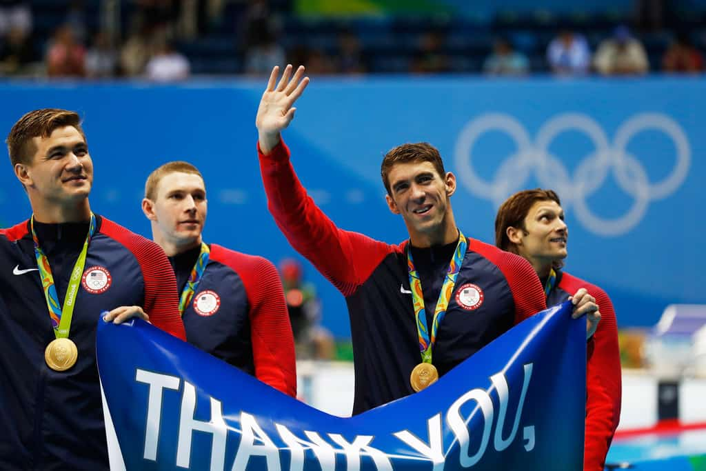 Legendary Michael Phelps says goodbye to professional swimming. And he does it in the most glorious manner he could do.