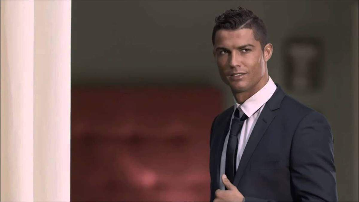Official: Cristiano Ronaldo extends with Real Madrid
