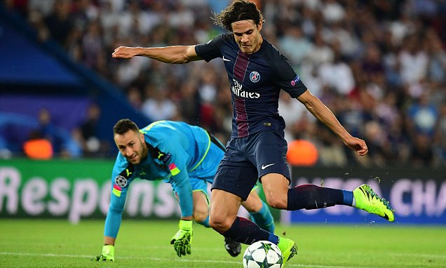 PSG president Nasser Al-Khelaifi thinks that Edinson Cavani is one of the best strikers in the world, despite several unused moments against Arsenal.