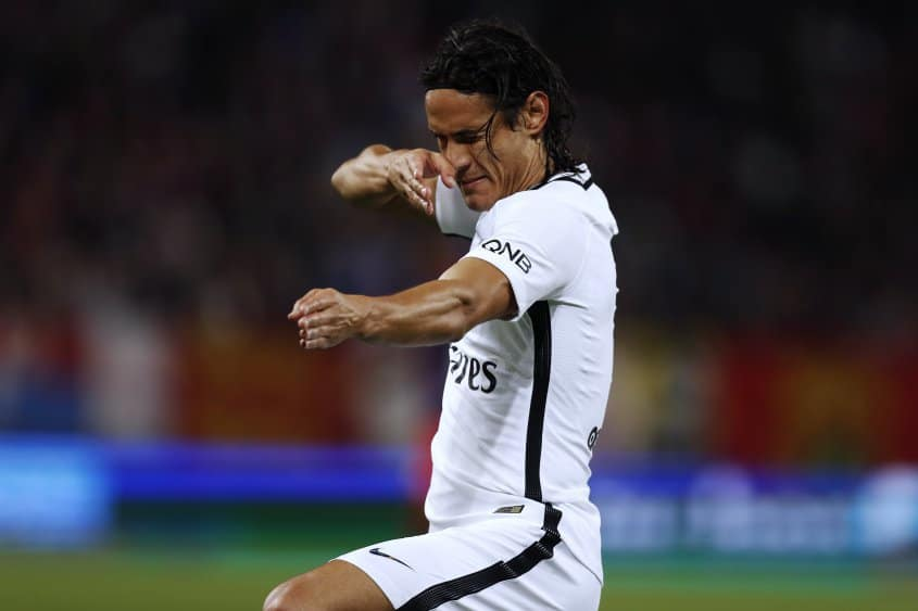 Cavani close to signing new PSG deal