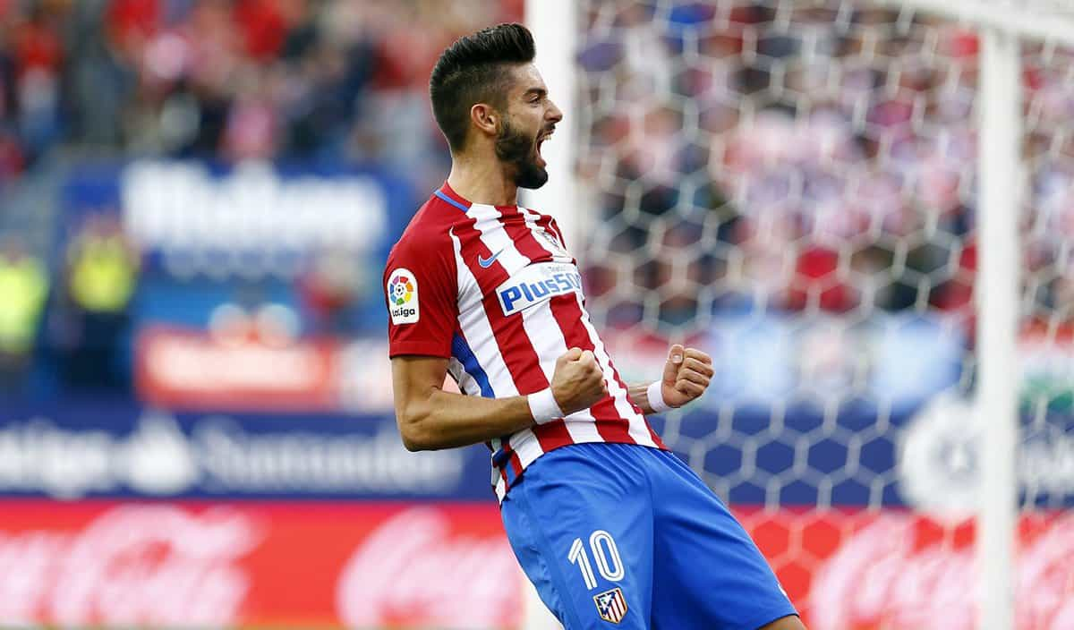 Atletico Madrid have confirmed that Yannick Carrasco has signed a new contract until 2022.