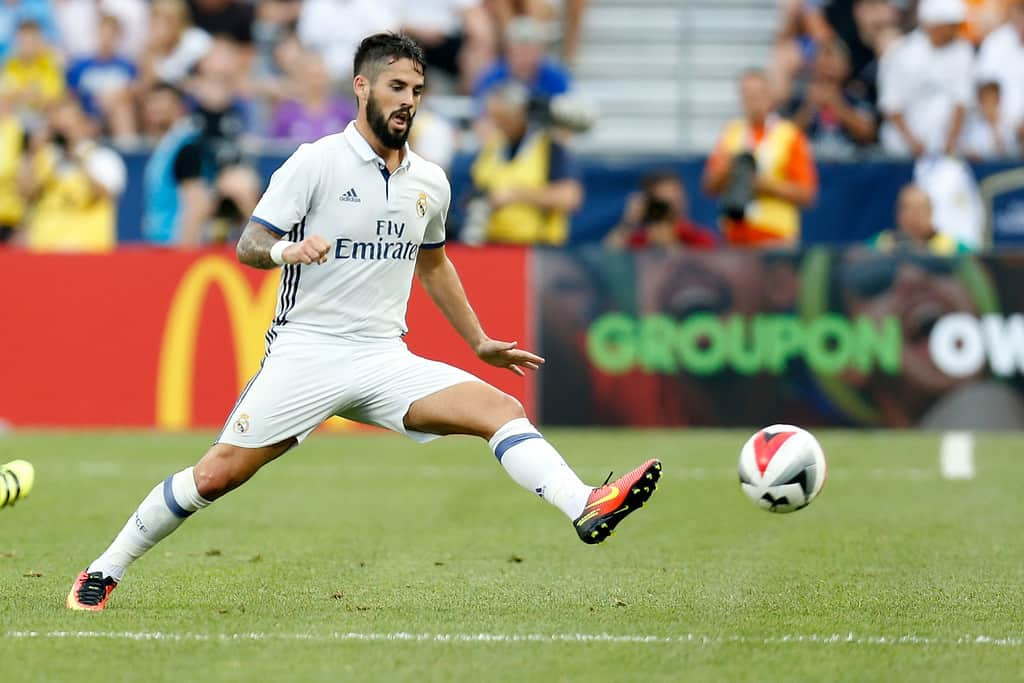 Isco says he did not think about leaving Real Madrid in the summer.