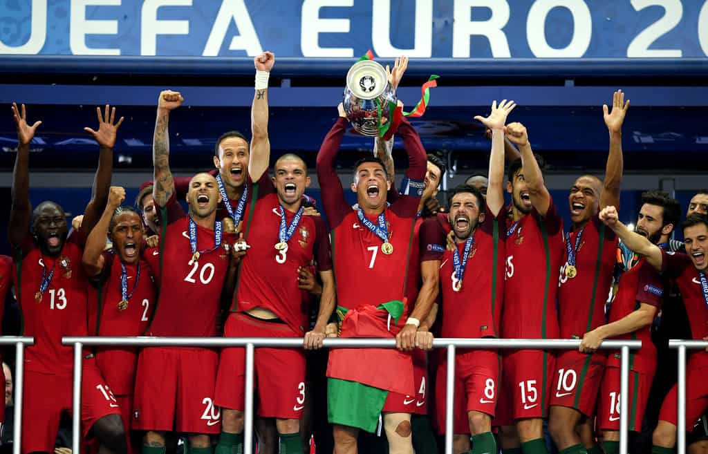 Portugal national team join Mannequin Challenge (VIDEO)