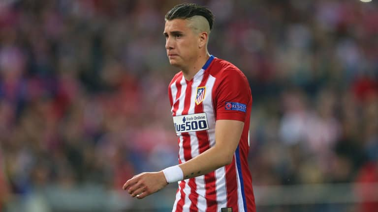 Wenger hopes to sign Atletico defender