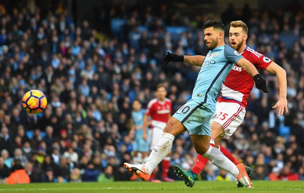 Paris Saint-Germain have made a move to lure Manchester City striker Sergio Aguero to the French capital, according to the Sunday Express.