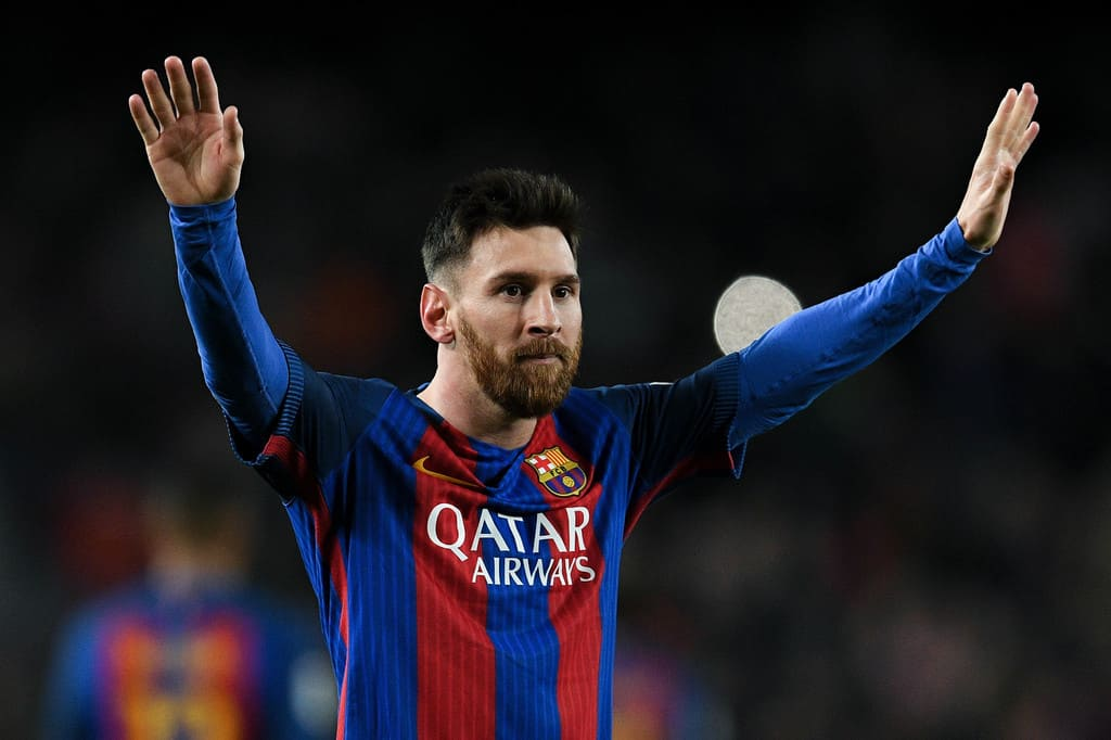 Barcelona not in hurry with Messi renewal