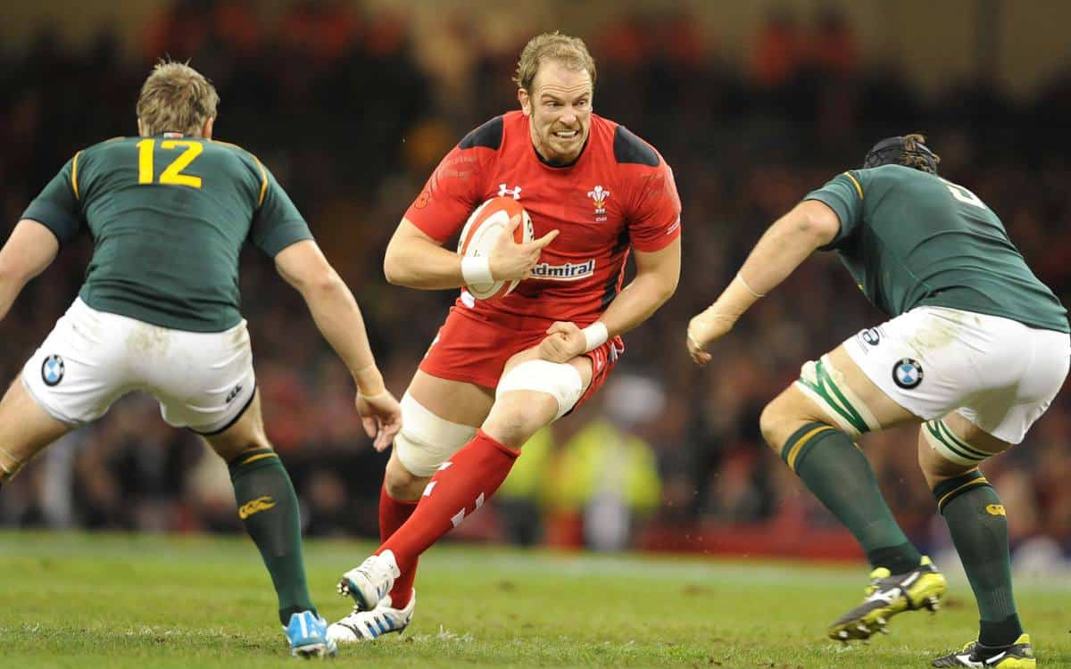 Jones replaces Sam as Wales captain