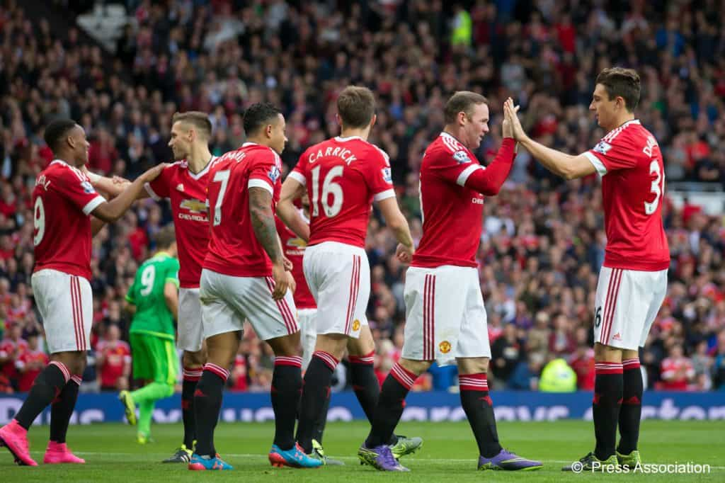 Manchester United become the first team to reach 2,000 Premier League points