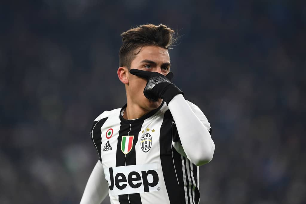 Man City are leading the chase to sign Juventus forward Paulo Dybala, reports AS.