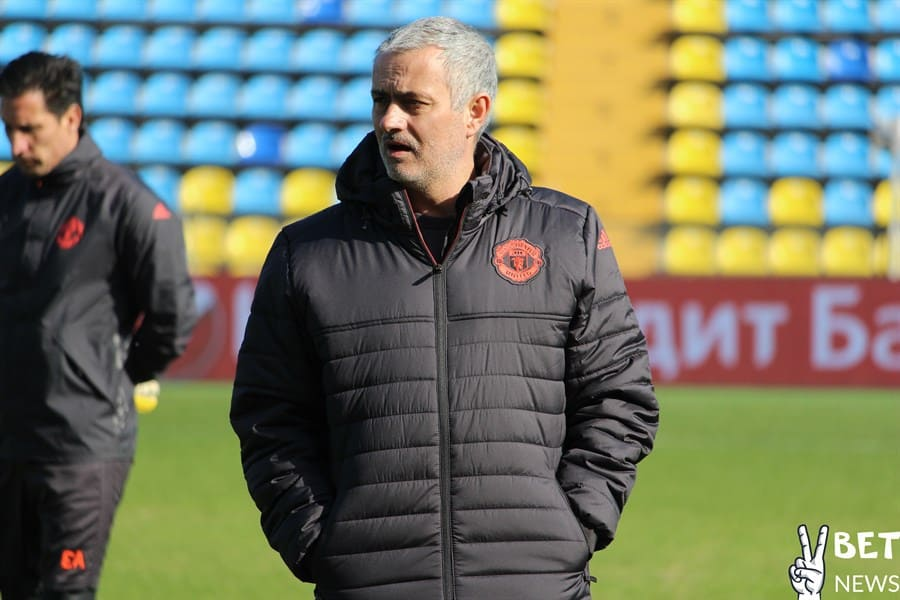 Manchester United players train at Olimp-2 stadium / Jose Mourinho / Grigor Grigorian