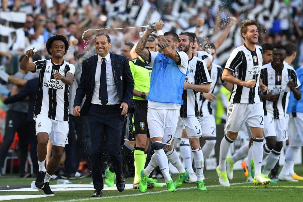 Juventus win the third title in a row