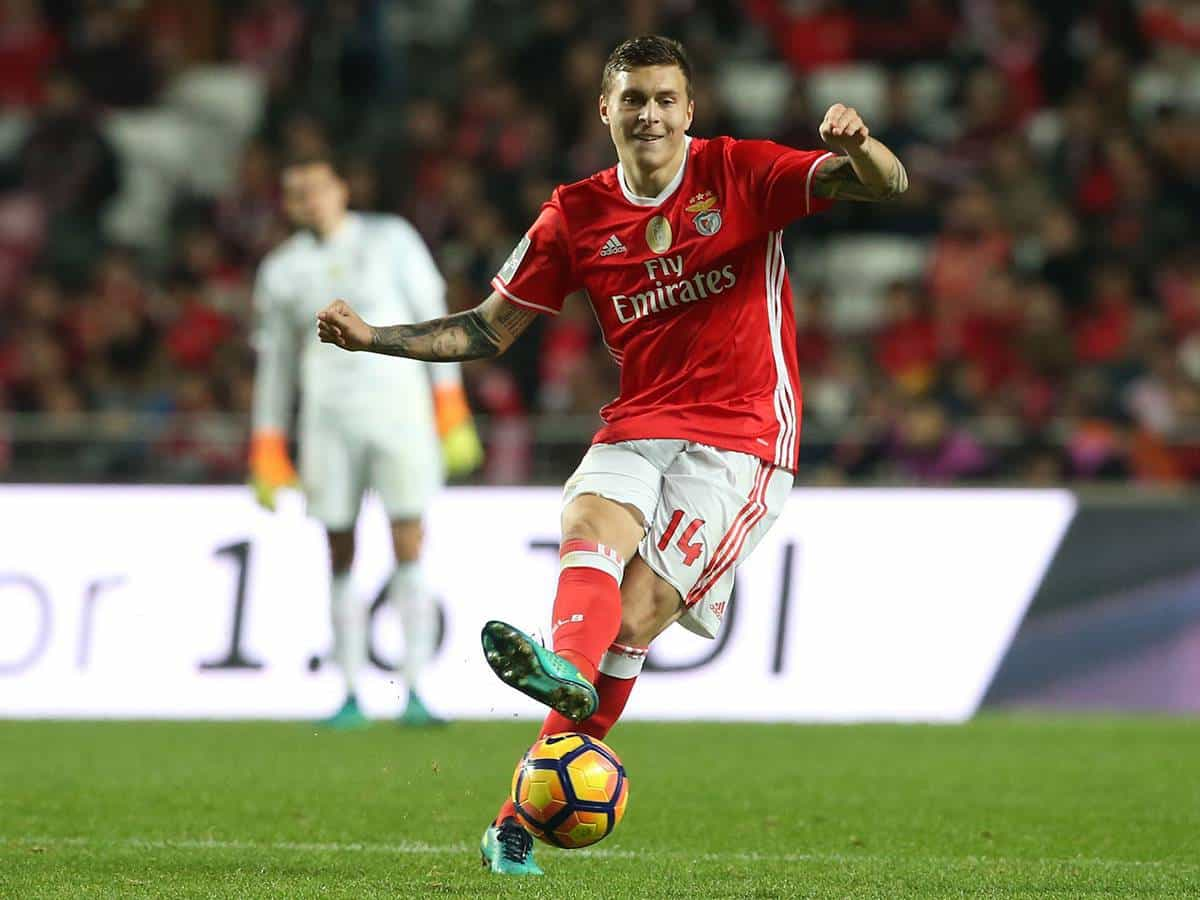 Manchester United have confirmed the arrival of Swedish fullback Victor Lindelof