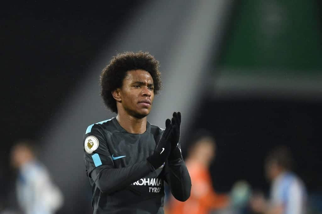WillianHuddersfieldTownvChelseaPremierEKXqRx5 e dx - Manchester United hold Willian transfer talks