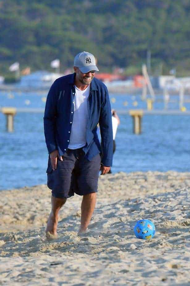 PAY EXCLUSIVE Jurgen Klopp And Wife Have Fun In The Sun In Saint Tropez 3 - PAY-EXCLUSIVE-Jurgen-Klopp-And-Wife-Have-Fun-In-The-Sun-In-Saint-Tropez (3)