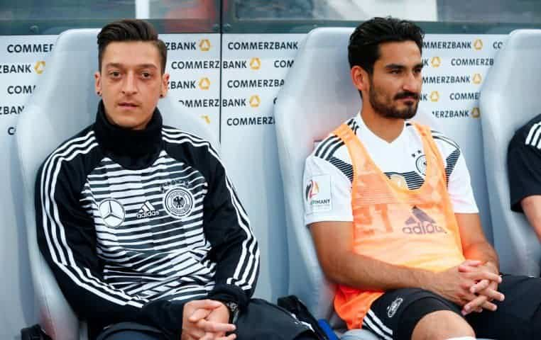ozil gundogan - Ozil and Gundogan to face problems with fans after meeting Erdogan