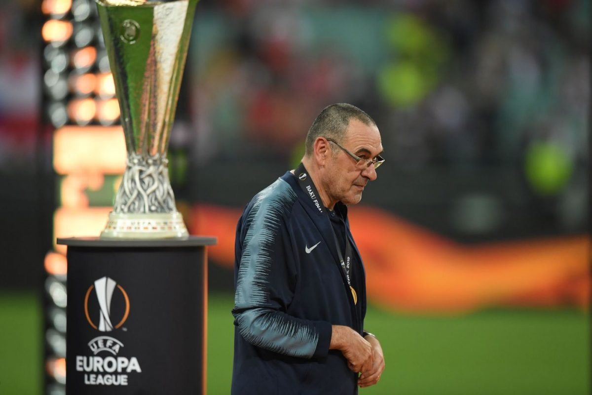 https://www.gettyimages.fi/detail/news-photo/chelsea-manager-maurizio-sarri-collects-his-winners-medal-news-photo/1152809259?adppopup=true