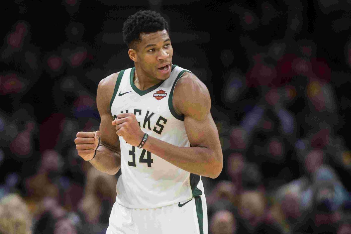 Giannis Antetokounmpo playing for Milwaukee Bucks