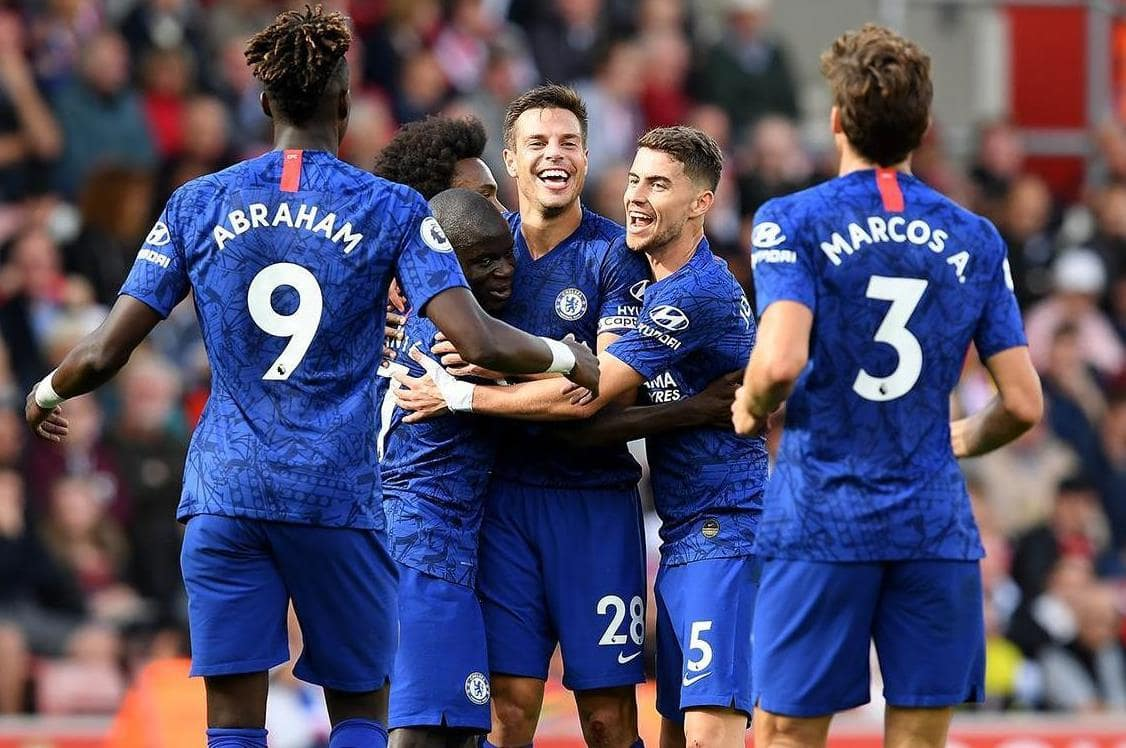 Chelsea players Jorginho, Marcos Alonso, Tammy Abraham , Cesar Azpilicueta, Willian and N'Golo Kante celebrate goal in the Premier League