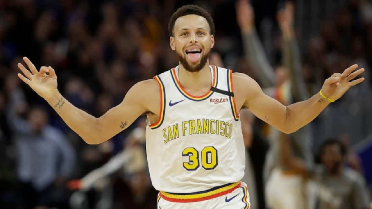 Stephen Curry in action for Golden State Warriors