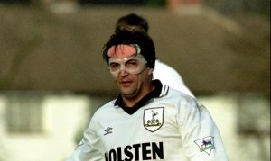 Gary Mabbutt playing for Spurs