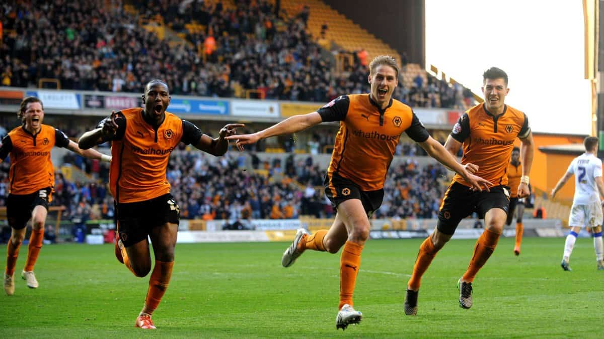 Dave Edwards of Wolverhampton Wanderers celebrates after scoring a goal to make it 4-3