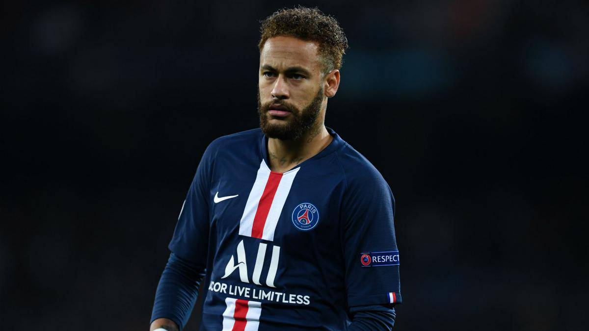 Neymar may be offered to Manchester United and Manchester City because of Barcelona financial issues