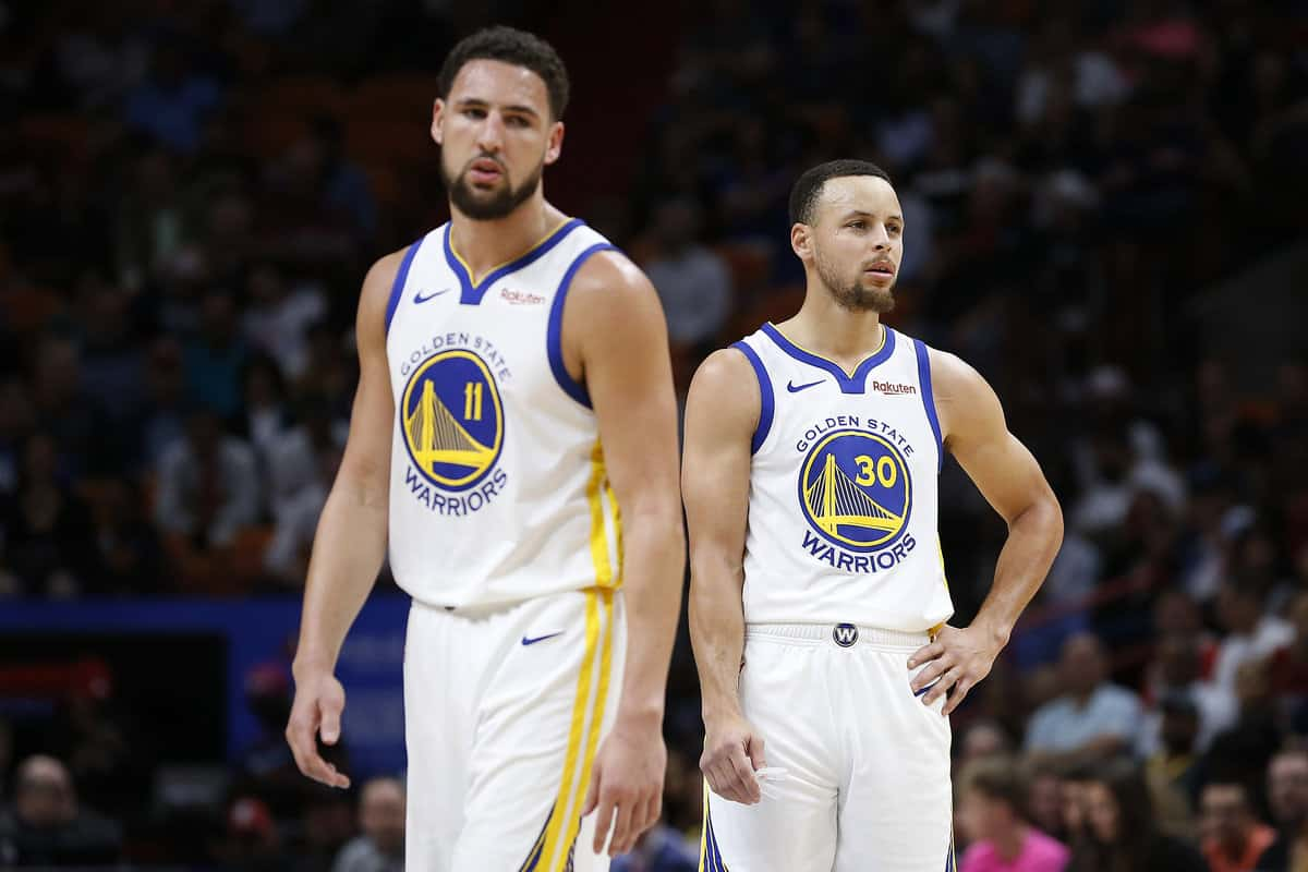 Klay Thompson and Steph Curry during Warriors game