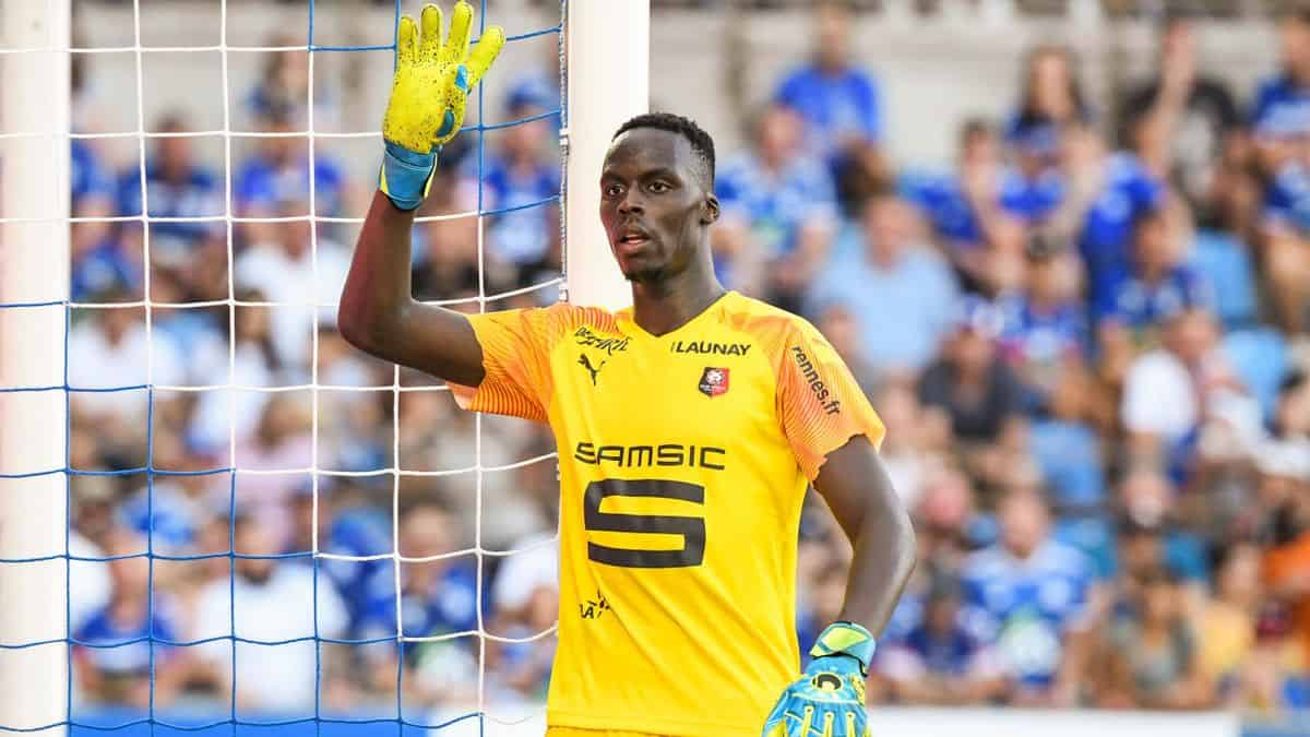 Edouard Mendy in action for Rennes