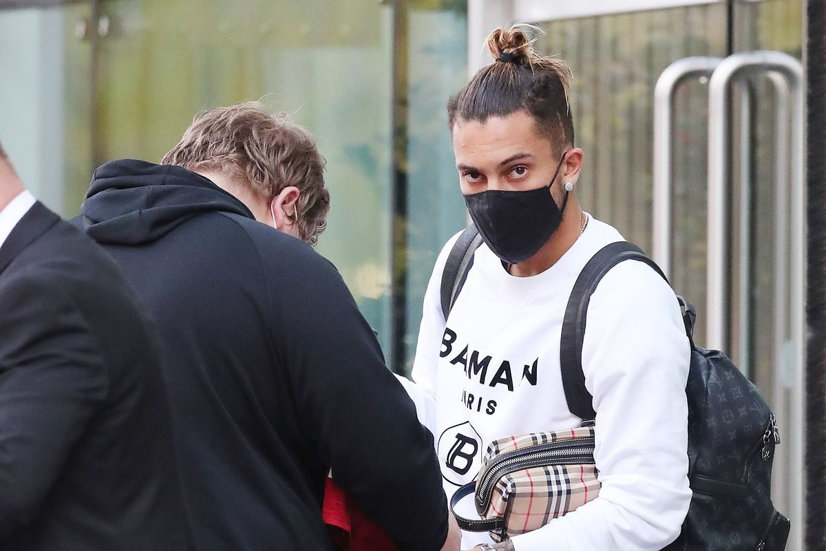 Manchester United new signings Alex Telles and Facundo Pellistri join training for the first time