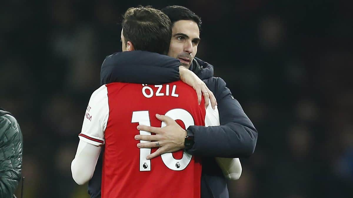Mikel Arteta makes honest admission over Mesut Ozil being left out