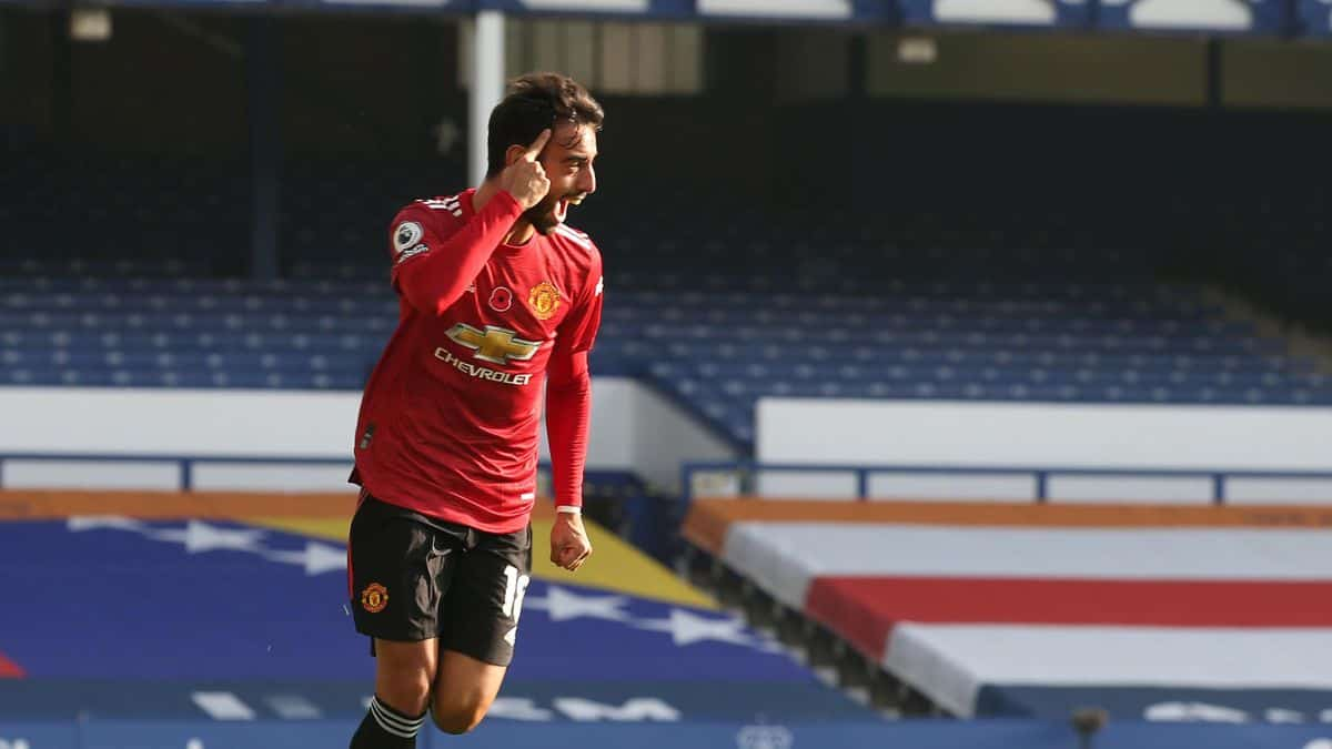 Bruno Fernandes celebrating a goal for Manchester United against Everton