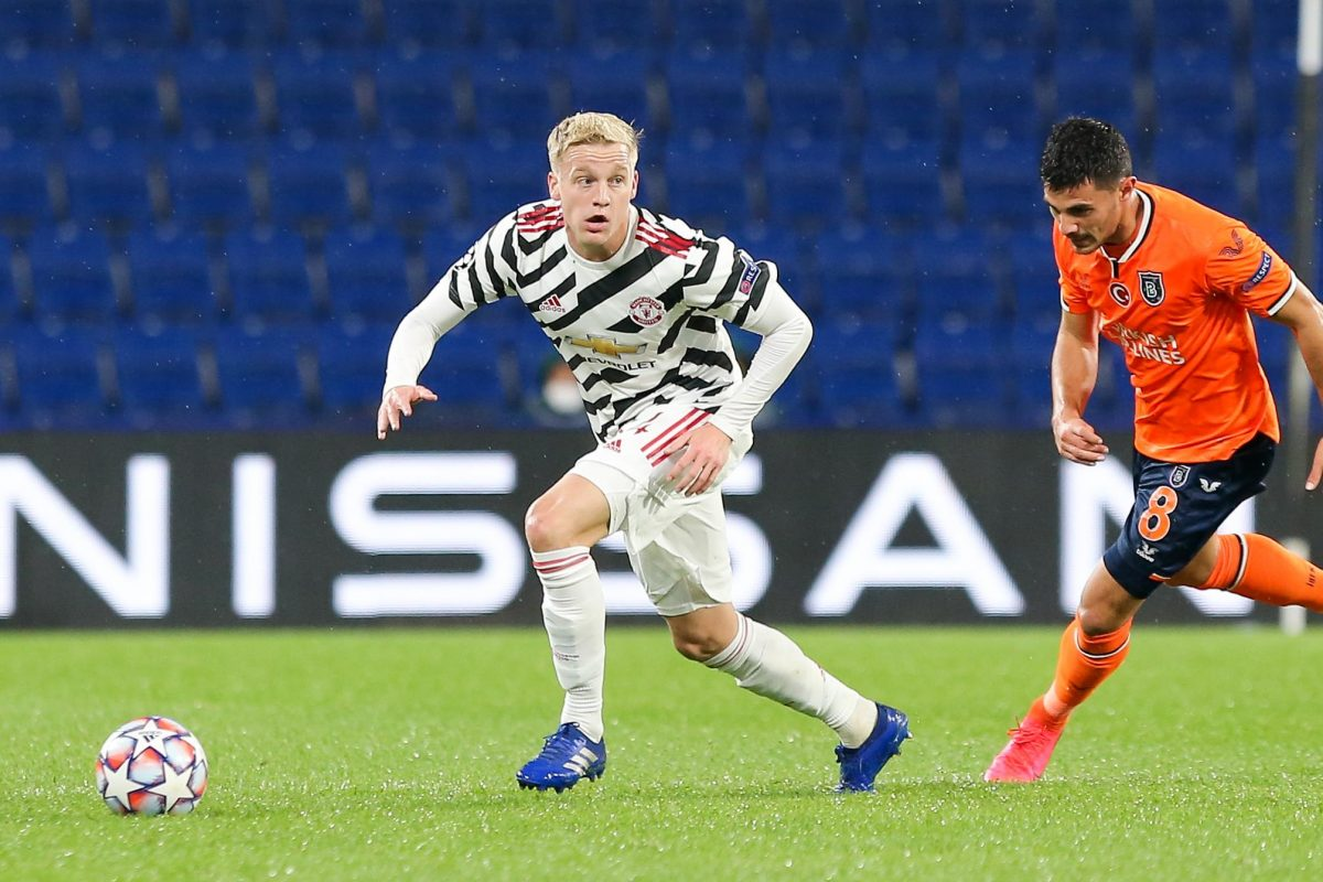 Donny van de Beek ina ction for Manchester United against Istanbul Basakshehir in the Champions league on Wednesday, November 4th