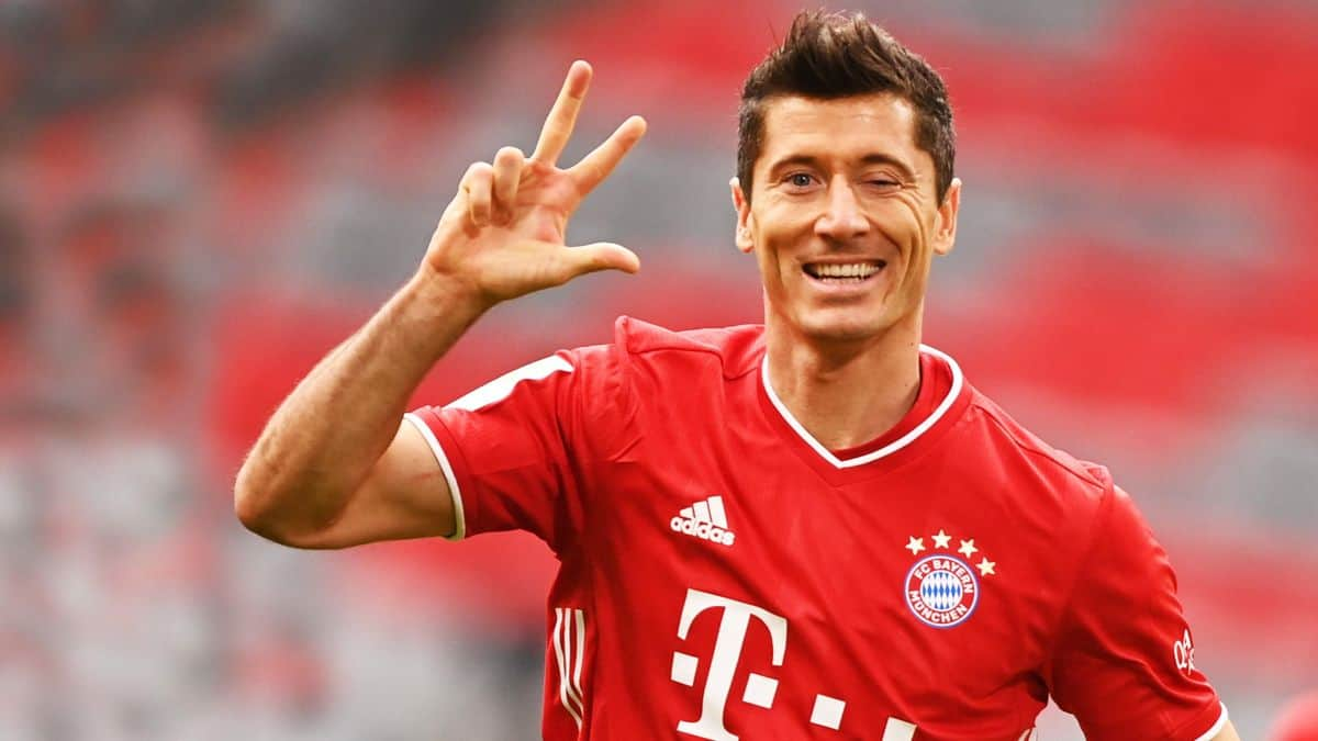 """I was very interested"": Lewandowski admits he wanted to join Manchester United"