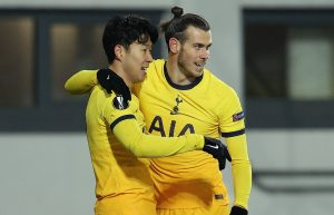 Son Heung-Min of Tottenham Hotspur celebrates with Gareth Bale after scoring their team's second goal during the UEFA Europa League Group J stage match between LASK and Tottenham Hotspur at Linzer Stadion