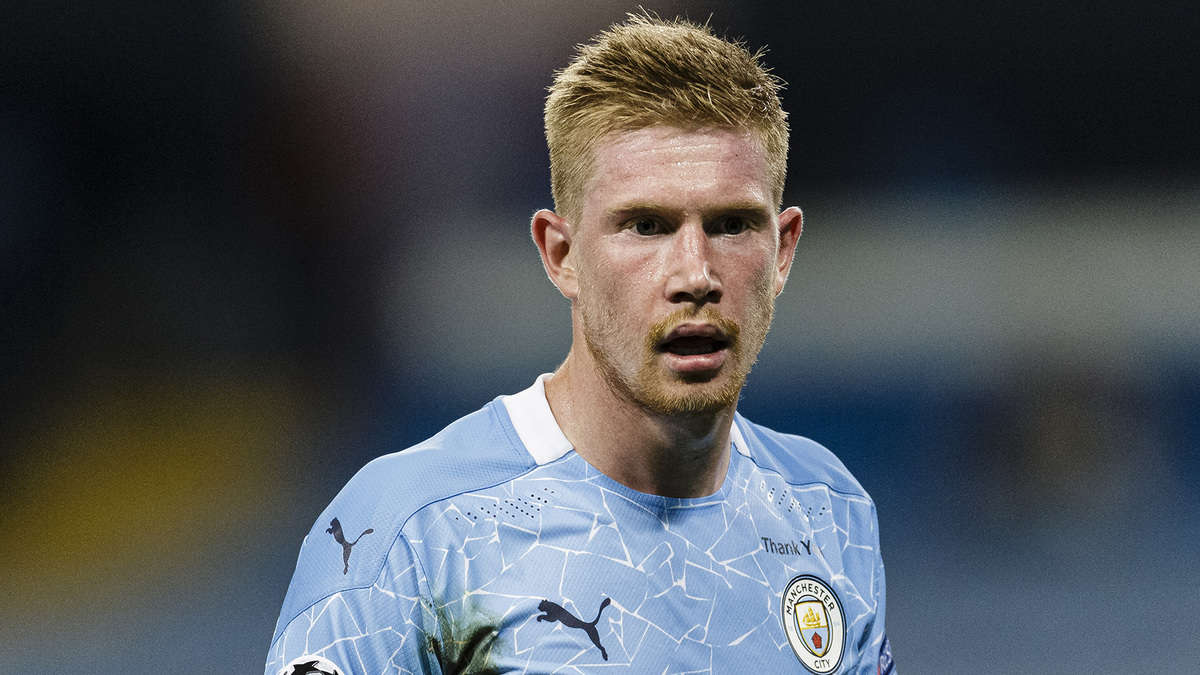 Kevin De Bruyne of Manchester City walks in the field during the UEFA Champions League round of 16 second leg match between Manchester City and Real Madrid at Etihad Stadium on August 7, 2020 in Manchester, United Kingdom