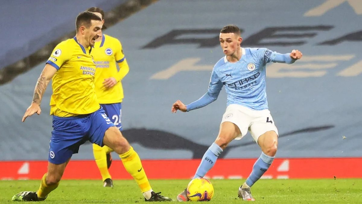 Phil Foden scores Man City's opening goal