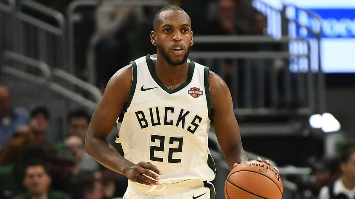 "Bucks' Khris Middleton ""does it all"" during Magic win"