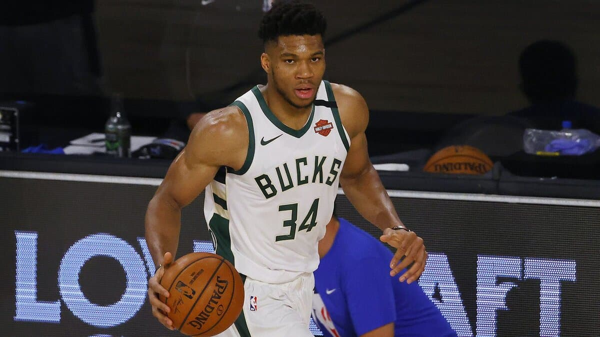 Giannis Antetokounmpo punishes rookie after Billy Donovan throws him into the fire
