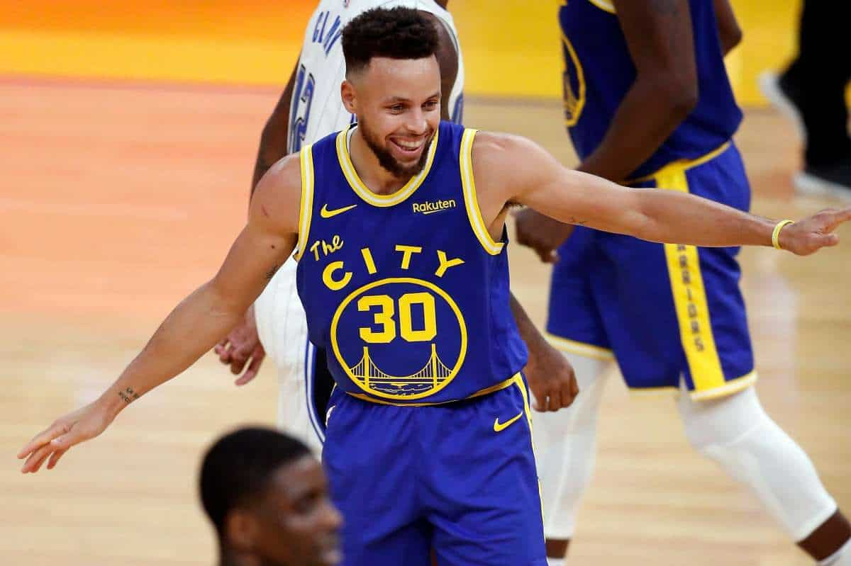 Stephen Curry's last 10 games stats are Crazy