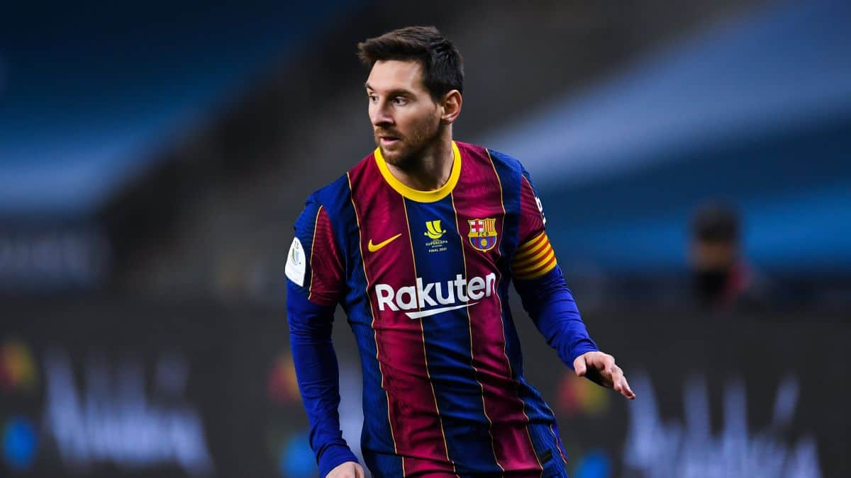 Manchester City handed Lionel Messi transfer boost as Ronal Koeman provided update on Barcelona star's future