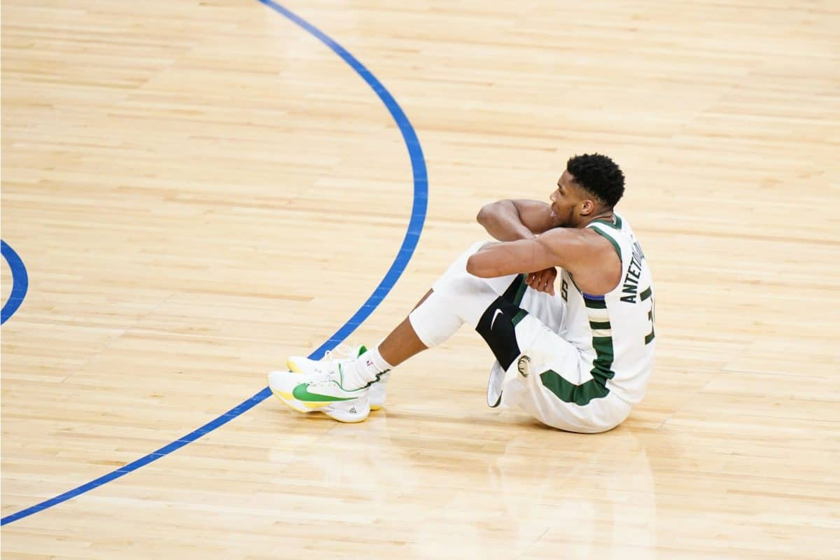 Giannis Antetokounmpo explains why he sat on the floor during Bucks win over Sixers