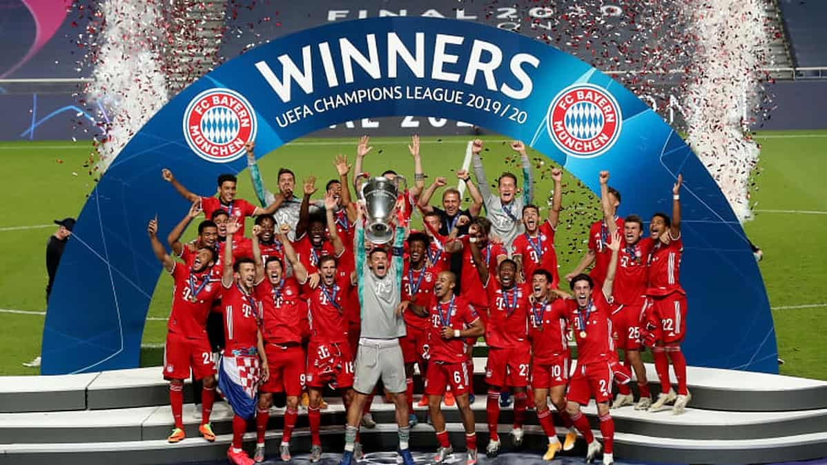 Manuel Neuer, captain of FC Bayern Munich lifts the UEFA Champions League Trophy following his team's victory in the UEFA Champions League Final match between Paris Saint-Germain and Bayern Munich at Estadio do Sport Lisboa e Benfica on August 23, 2020 in Lisbon, Portugal. (Photo by Julian Finney - UEFA/UEFA via Getty Images)