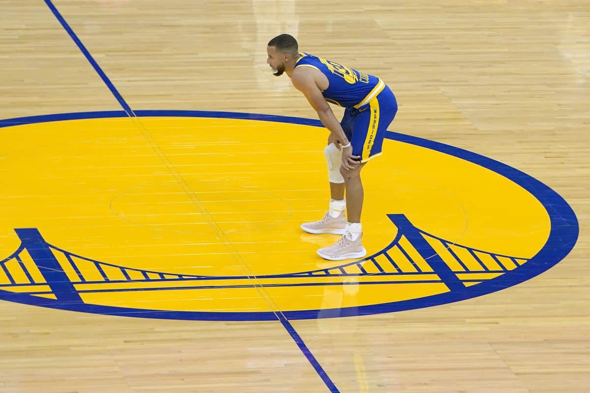 """Stephen Curry sends """"frustrating"""" message after Warriors' loss to Timberwolves"""