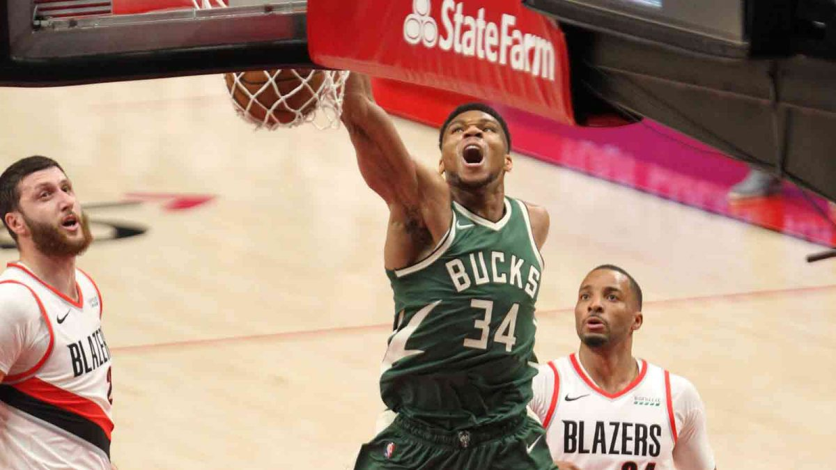 Budenholzer provides injury update on Giannis Antetokounmpo