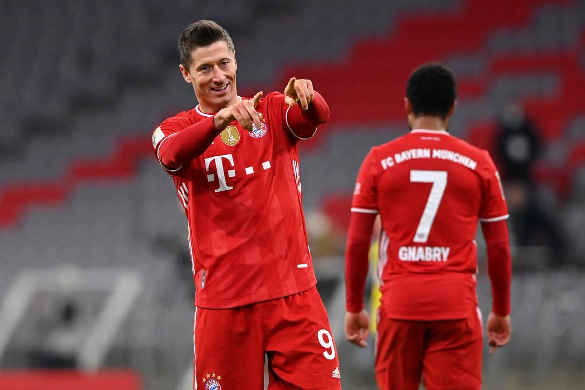 Bayern Munich put Robert Lewandowski transfer price amid Manchester United links