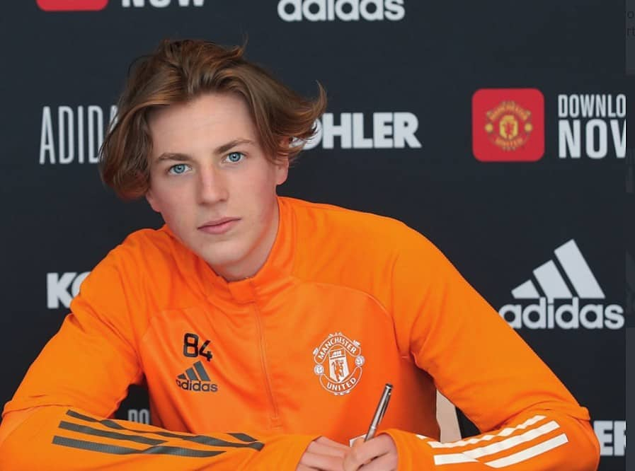 Robbie Savage's son Charlie has signed his first professional contract with Manchester United