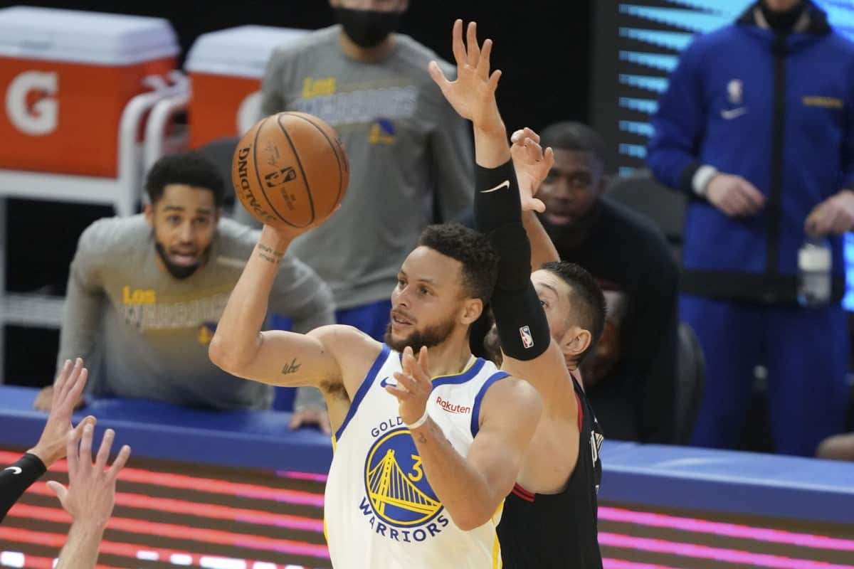 Stephen Curry provides injury update ahead of Raptors game