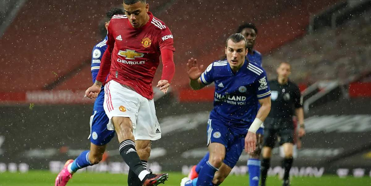 Mason Greenwood fires low past Kasper Schmeichel to equalise for Man Utd
