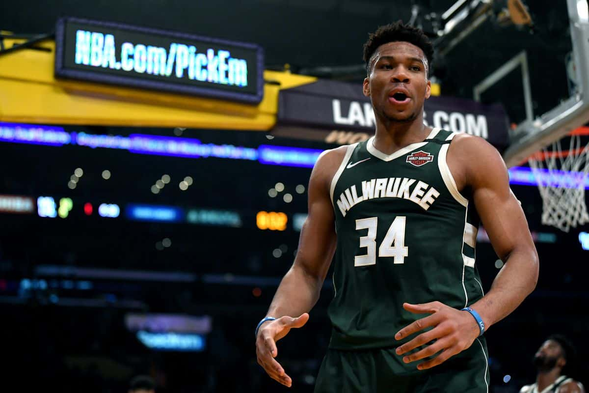 Giannis Antetokounmpo claims super random 'best in the world' title
